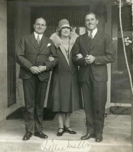 Autographed photograph of Nellie Melba with Browning Mummery and John Brownlee (PIC 727 )