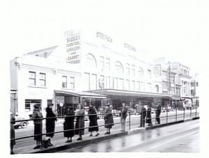 Street scene, Swanston Street, Melbourne c. 1930