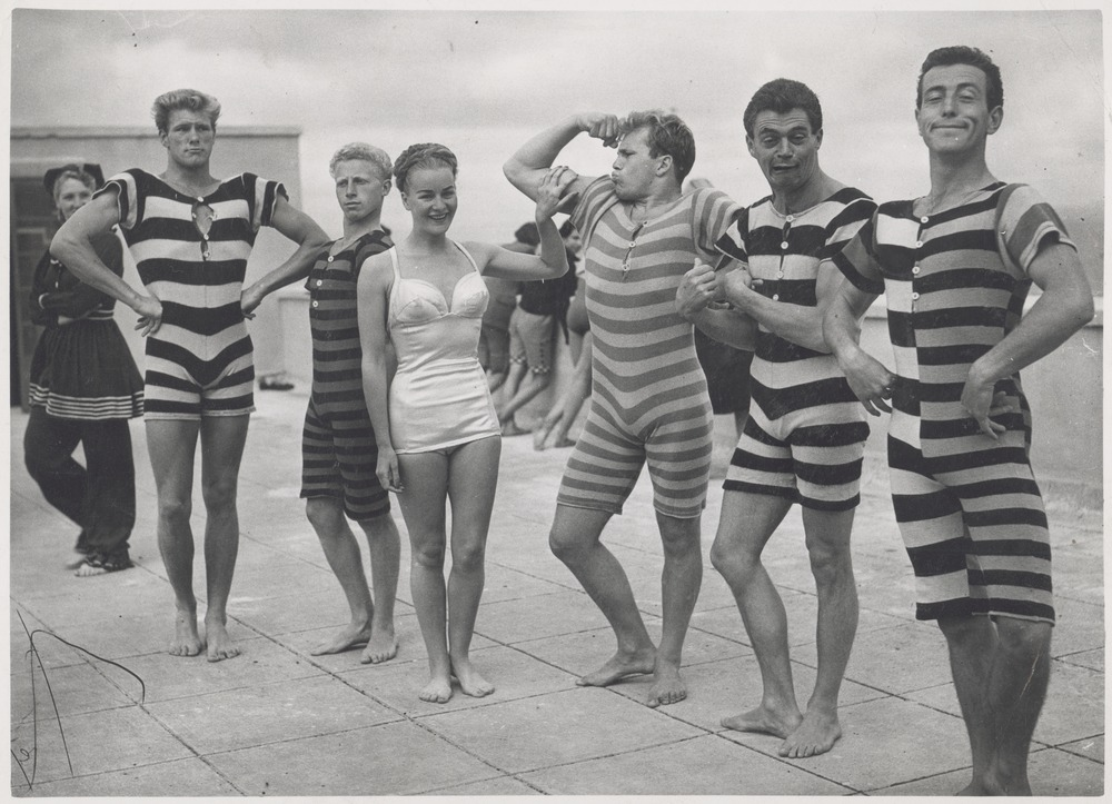 Victorian & Edwardian beachwear, c.1940s