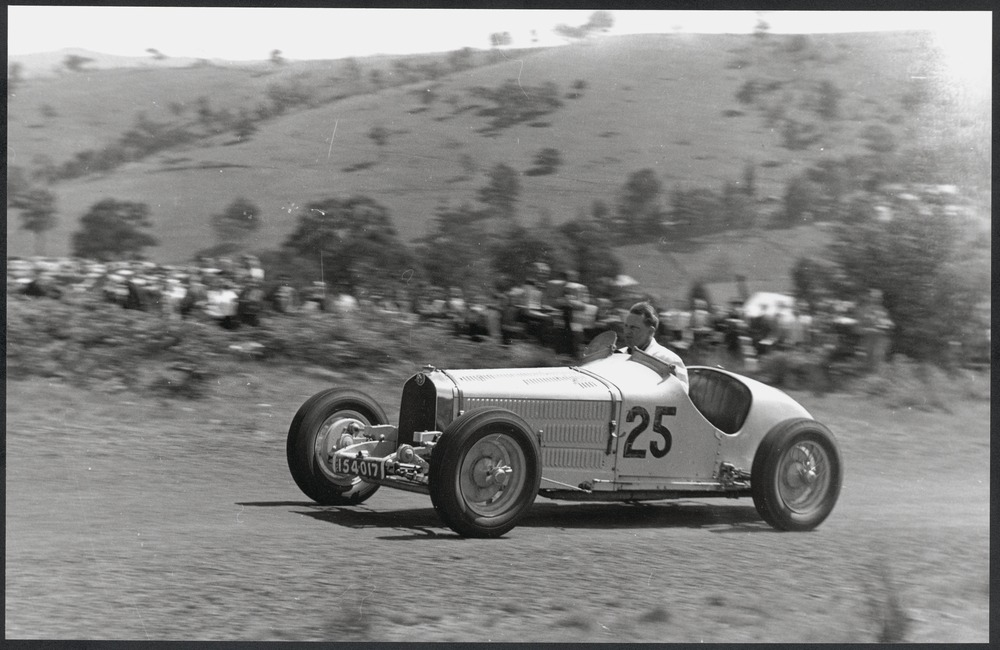 A photo from the 1947 Rob Roy Hill Climb.