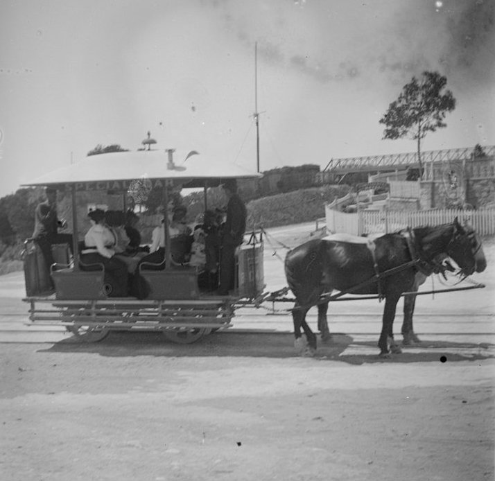A horse tram outside Continental Hotel, Sorrento in approx. 1900.