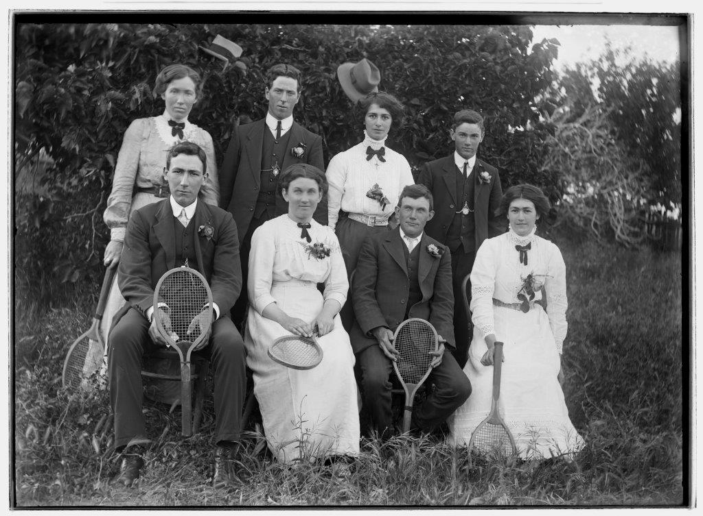 Photo of a tennis team