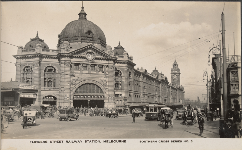 Postcard of Flinders Street Railway Station, Melbourne: Looking south west across intersection, along Flinders Street
