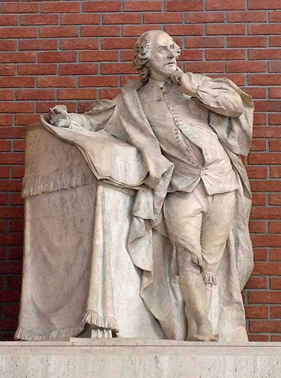 Photo of the Shakespeare sculpture
