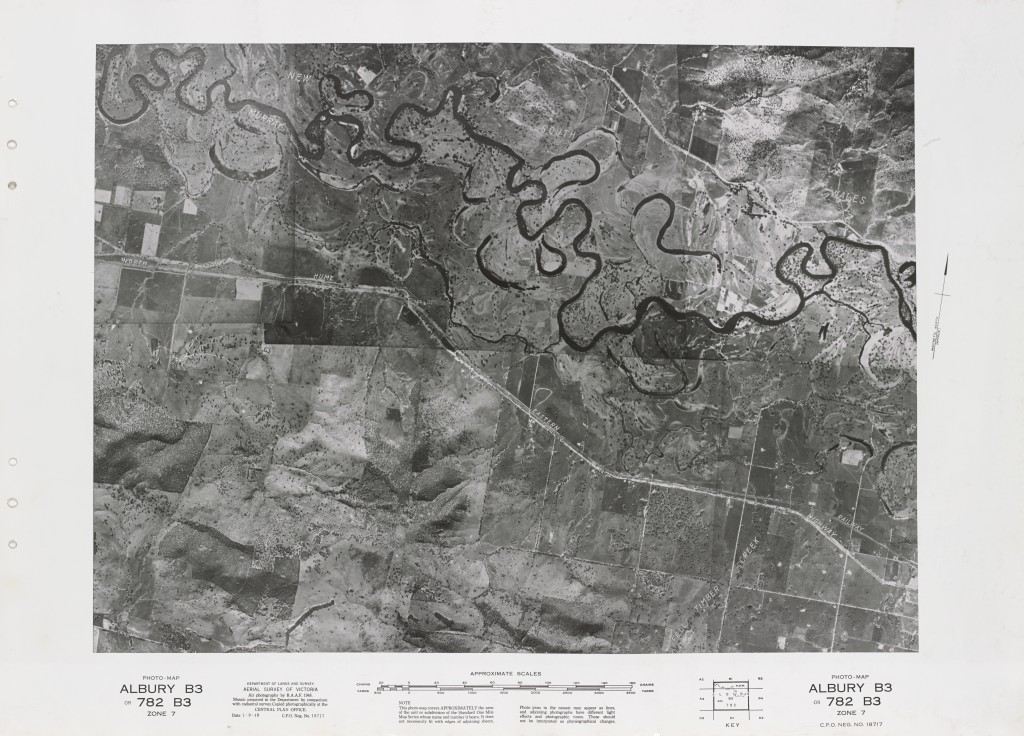 Black and white aerial photograph of Albury featuring the Murray River, North Hume, Eastern Highway and Fell Timber Creek.