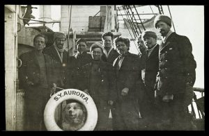 Oscar with survivors of the Ross Sea Party. Ernest Shackleton and Captain John King Davis at right