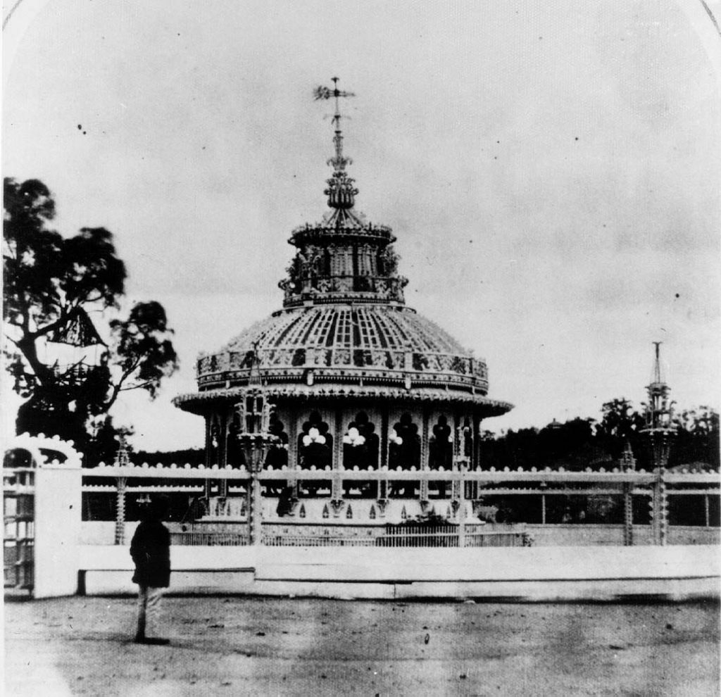Black and white photo of Cremorne Gardens rotunda